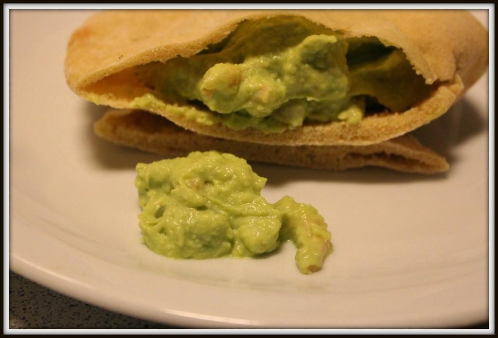 Ptabrød med avocado-rejefyld