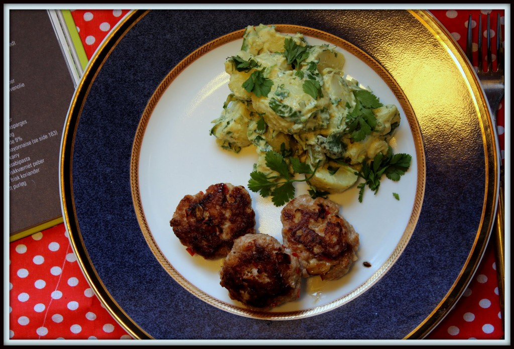 Orientalske deller med spicy kartoffelsalat
