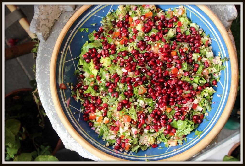 Salaten ser smuk ud - og smager af sommer.